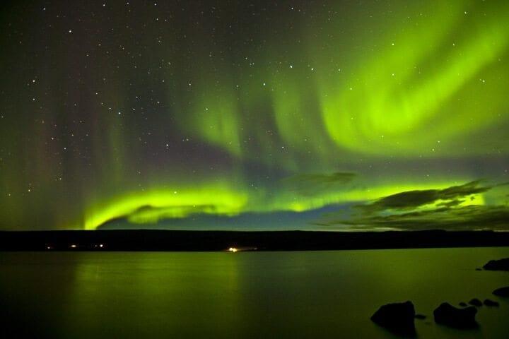 Winter in Island – Vom Zauber des Nordlichts und der heißen Quellen