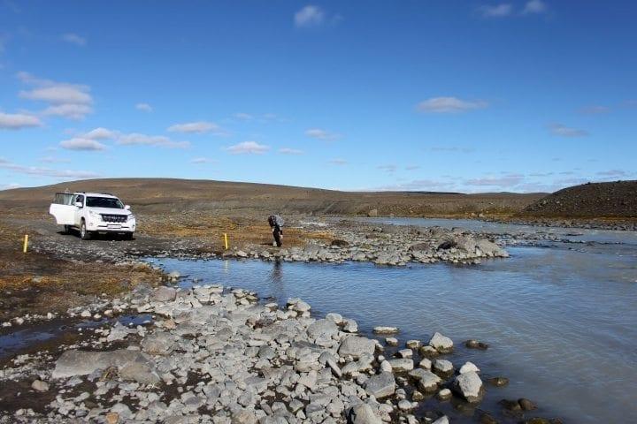 Furten bzw. Flüße durchqueren mit dem Jeep