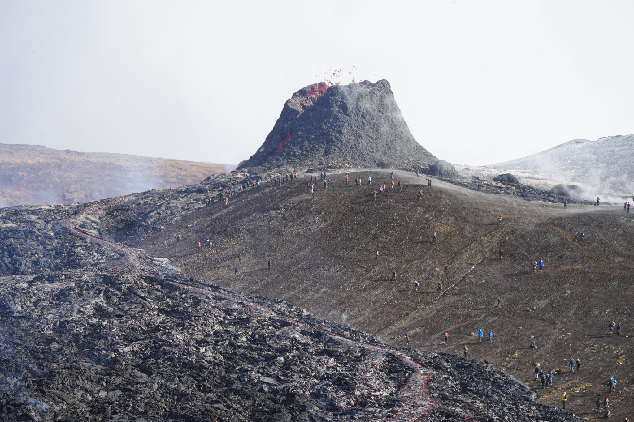 Krater 5 Tage nach Ausbruch